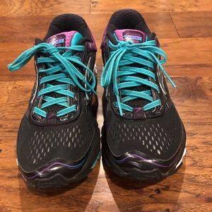 Brooks Ghost 9 Women's running shoes EUC LN